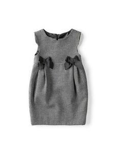 Inspiration for Oliver + S gingham bubble dress with grosgrain or petersham ribb … - Baby Dress Little Girl Dresses, Nice Dresses, Girls Dresses, Dresses For Kids, 50s Dresses, Elegant Dresses, Look Fashion, Kids Fashion, Fashion Wear