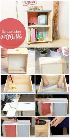 Eine alte Schublade aufmöbeln - Streichen mit Papier bekleben, Regalbrett einziehen und die Griffe als Möbelfüße. Es verkommt nichts! Upcycling Schublade | DIY Anleitung | DIY Idee | Deutsch | DIY Blog | Möbel selbst gestalten
