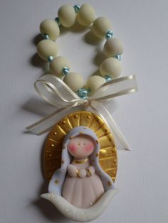 Guadalupe. www.turecuerdito.com First Communion Favors, Baptism Favors, Polymer Clay Ornaments, Polymer Clay Projects, Clay Crafts, Gum Paste Flowers, Cowboy Party, Clay Figurine, Baby Girl Crochet
