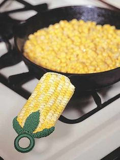 Crochet - Home & Kitchen - Kitchen - Pot Holders Add an old-time sense of humor to your stovetop and table with this peppy pot handle cover. Size: x 2 Made with size 10 crochet cotton thread and size steel hook. Crochet Food, Crochet Kitchen, Love Crochet, Crochet Crafts, Crochet Projects, Crochet Geek, Crochet Potholders, Crochet Motifs, Crochet Patterns