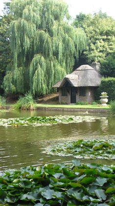 The Magical Christmas Wreath Company: Romance at Ascott House & Gardens, Buckinghamshire