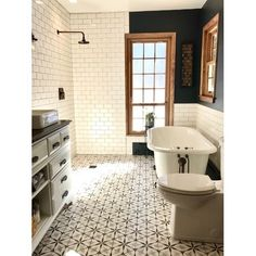 Bathroom decor for your master bathroom remodel. Discover bathroom organization, master bathroom decor some ideas, bathroom tile tips, master bathroom paint colors, and more. Bad Inspiration, Bathroom Inspiration, Bathroom Ideas, Bathroom Designs, Bath Ideas, Bathroom Layout, Steam Showers Bathroom, Glass Showers, Shower Rooms