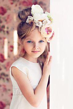flower girl with pretty flower crown arrangement Beautiful Children, Beautiful Babies, Girl Hairstyles, Wedding Hairstyles, Child Models, Little Princess, Kind Mode, Belle Photo, Children Photography