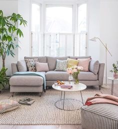 The new Claudette Chaise sofa from the House Beautiful collection with DFS is the perfect piece for modern living. Pastel Living Room, Living Room Grey, Living Room Modern, Home Living Room, Living Room Sofa, Living Room Designs, Living Room Decor, Apartment Living, Beautiful Living Rooms