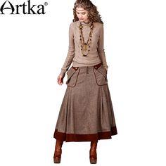 Утепленная юбка в стиле бохо с заниженной талией и большими накладными карманами по бокам
