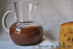 Salsa caliente de chocolate - Hot chocolate sauce. English and spanish recipe