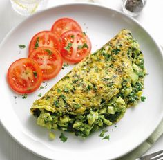 Find out how to make delicious Super Green Omelette with this vegetarian recipe from Veggie Magazine Breakfast And Brunch, Egg Recipes For Breakfast, Breakfast Healthy, Spinach Omelette, Healthy Omelette, Egg White Omelette, Veggie Recipes, Vegetarian Recipes, Cooking Recipes