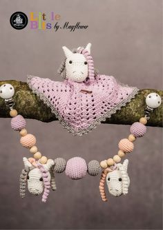 Opskrift på hæklet nusseklud og barnevognskæde med små heste