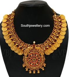 Antique Necklace latest jewelry designs - Page 32 of 332 - Indian Jewellery Designs Gold Temple Jewellery, Real Gold Jewelry, Gold Jewelry Simple, Indian Jewelry, Antique Jewellery Designs, Gold Jewellery Design, Antique Jewelry, Bijoux En Or Simple, Collier Antique