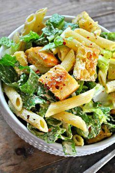 Vegan Caesar pasta salad is my go to summer salad. Chopped romaine, pasta, cheesy, herby croutons, tossed in the best dang vegan Caesar dressing! Ceasar Pasta Salad, Vegan Caesar Dressing, Tortellini, Cesar Salat, Quinoa, Vegetarian Recipes, Healthy Recipes, Vegan Soul Food Recipes, Salads