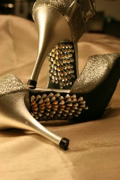 This is GEM SOLE. High heeled sole decoration service from DIFERENTE.