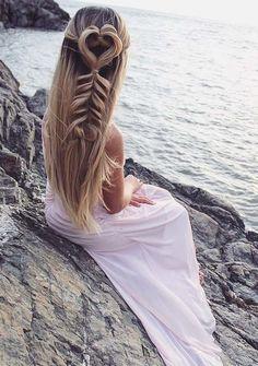Breathtaking Mermaid Hairstyles Trends for Women 2018 Side Ponytail Hairstyles, Twist Hairstyles, Bride Hairstyles, Headband Hairstyles, Down Hairstyles, Amazing Hairstyles, Wedding Braids, Curly Wedding Hair, Bridal Hair