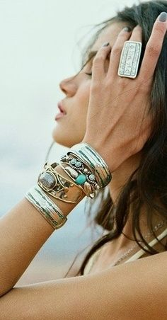 Layered & stacked jewelry, silver boho chic bangles See more here http://www.pinterest.com/happygolicky/the-best-boho-chic-fashion-bohemian-jewelry-boho-w/