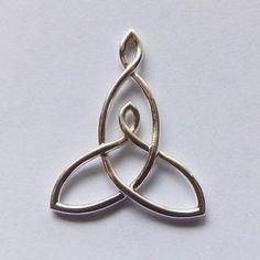 Afbeeldingsresultaten voor Mother Son Celtic Symbol Tattoo Designs