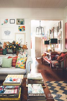 Anna Spiro: Interior designers colourful Brisbane home Home Decor Ideas Living Room Anna Brisbane Colourful designers Home Interior Spiro Deco Design, Design Case, Hall Design, Style At Home, Sweet Home, Gravity Home, Deco Boheme, Home And Deco, Eclectic Decor