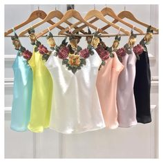 ✨🅛🅘🅝🅓🅐🅢✨. Receberemos o novo modelo da regata linda! ❤️❤️❤️ #regata #cetim #renda  Ref. Regata Amor.  Cores: verde água, amarelo, off, rosê, violeta bebê, preto.