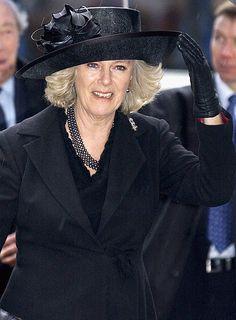 Camilla Parker-Bowles at the 2005 memorial service for Sir Angus Ogilvy at Westminster Abbey. Camilla Duchess Of Cornwall, Royal Uk, Camilla Parker Bowles, Westminster Abbey, Cool Hats, Prince Of Wales, British Royals, Princess Diana, Gloves