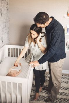 One of the main questions for a pregnant woman is considering the list of necessary purchases for a newborn - what should it include? Newborn Family Pictures, Family Posing, Baby Pictures, Baby Photos, Family Photos, Family Portraits, Newborn Shoot, Newborn Pics, Lifestyle Newborn Photography