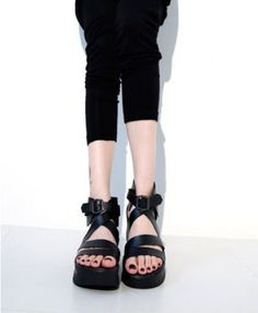 Peep Toe Flatform Sandals with Pin Buckle Belt Details