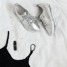 Shine bright with ELLiE in silver! ✨ These kicks are equipped with extra arch, heel and forefoot cushioning - plus our patented Custom Fit pack. Featuring Emme Silver Necklace by @libertedesign  www.frankie4.com.au . . #frankie4footwear #savingsoles