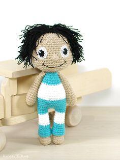Free crochet pattern: Ragdoll Sipsik aka Raggie// Kristi Tullus (spire.ee)