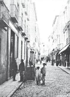 1905. Antes de la Gran Vía. La calle de la Reina. | Flickr: Intercambio de fotos