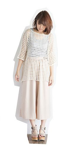 """Squares Knit - free crochet tunic pattern in Japanese with charts (44"""" bust) by Pierrot (Gosyo Co., Ltd)."""