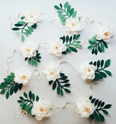 Garland of paper flowers. Tipi, Magnolia flowers in crepe paper. Backdrop of paper flowers Flower Garland Wedding, Paper Flower Garlands, Paper Flower Decor, Paper Flower Backdrop, Flower Crafts, Flower Decorations, Crepe Paper Garland, Paper Wedding Decorations, Boho Backdrop