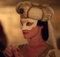 Claire Foy in Wolf Hall Tudor History, European History, British History, Art History, Anne Boleyn Death, Anne Boleyn Tudors, Elizabethan Gown, Medieval Hats, Wolf Hall
