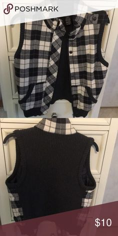 1ef8e94a3da12b Zip up sweater vest Adorable plaid vest. Lightly worn. Smoke and pet free  home