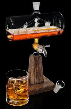 Fill this ship in a bottle with whisky and bring some design to your bar. Cigars And Whiskey, Bourbon Whiskey, Whiskey Drinks, Alcohol Bottles, Liquor Bottles, Jerry Can Mini Bar, Gin, Bourbon Gifts, Liquor Dispenser