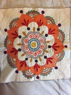 Mandala bordada en cadeneta