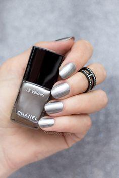 Chanel liquid mirror swatches || Silver Chrome nail polish