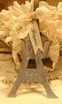 Silver Glittered Chipboard EIFFEL TOWER - I love this!