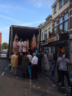 Preparing for Eid Al-Adha (offerfeest) at Kanaalstraat, Utrecht