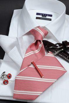 白シャツのステップUP コーディネート! いつもの白シャツを、合わせるアイテムで 印象をガラッとかえる。#shirtstyle #shirt…