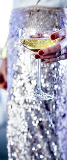 Cheers to you and the world www.the-champagne. Happy New Year Baby, Happy New Year Everyone, Nye Party, Party Time, New Year's Eve Gala, New Year's Eve Celebrations, What Is The Secret, New Year 2017, Ladies Night