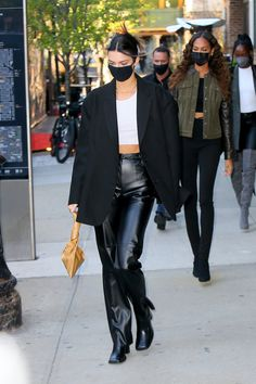 Kendall Jenner Outfits, Ootd, Iconic Women, Looks Vintage, Fashion Lookbook, Fashion Outfits, Womens Fashion, Classy Outfits, Streetwear Fashion
