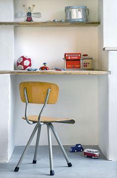 werkblad in muur