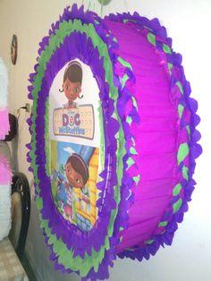 DIY piñata tambor de la Dra Juguetes #Party. Súper gigante, el diámetro por lo regular es de 60cm y yo lo hice casi de 90cm