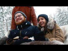 Paseo en trineo de renos en el Pueblo de Papá Noel en Rovaniemi en Laponia