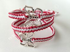 Martisoare Diy Jewelry, Jewelry Making, 8 Martie, Spring Crafts, Diy Crochet, Bulgaria, March, Hands, Bracelets