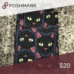 OS Lularoe Halloween Leggings Dark blue background with black cat heads.  New, never worn but no tags. LuLaRoe Pants Leggings
