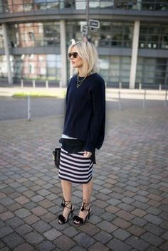 COMMA: JERSEY SKIRT + OVERSIZED KNIT