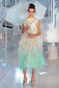Louis Vuitton Spring-Summer 2012. Model: Magda Laguinge.
