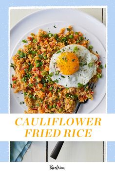 This cauliflower fried rice is super tasty, a breeze to whip up and still really good for you. Win-win-win. Low Calorie Vegetarian Recipes, Vegetarian Appetizers, Vegetarian Dinners, Vegan Dinner Recipes, Real Food Recipes, Healthy Recipes, Detox Recipes, Healthy Meals, Paleo