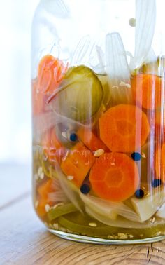 Jalapeño pickles (escabeche), why have I never made this before? Pickled Jalapeno Recipe, Pickled Jalapeno Peppers, Pickling Jalapenos, Jalapeno Recipes, Stuffed Jalapeno Peppers, Mexican Dishes, Mexican Food Recipes, Escabeche Recipe, Tapas