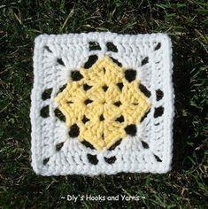 "Crochet Granny Square Patterns Free crochet ""square in a square"" pattern Crochet Squares Afghan, Granny Square Crochet Pattern, Crochet Blocks, Double Crochet, Double Knitting, Free Knitting, Bag Crochet, Crochet Crafts, Crochet Projects"