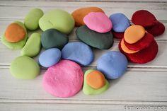 Jugamos con el Monstruo de Colores | De mi casa al mundo. Les pedres representen les emocions❤️