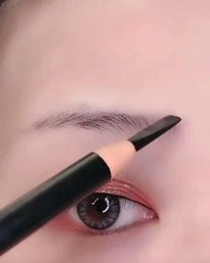 Eyebrow Makeup Tips, Makeup Eye Looks, Eye Makeup Steps, Eye Makeup Brushes, Makeup Videos, Skin Makeup, Makeup Art, Easy Makeup, Doll Eye Makeup